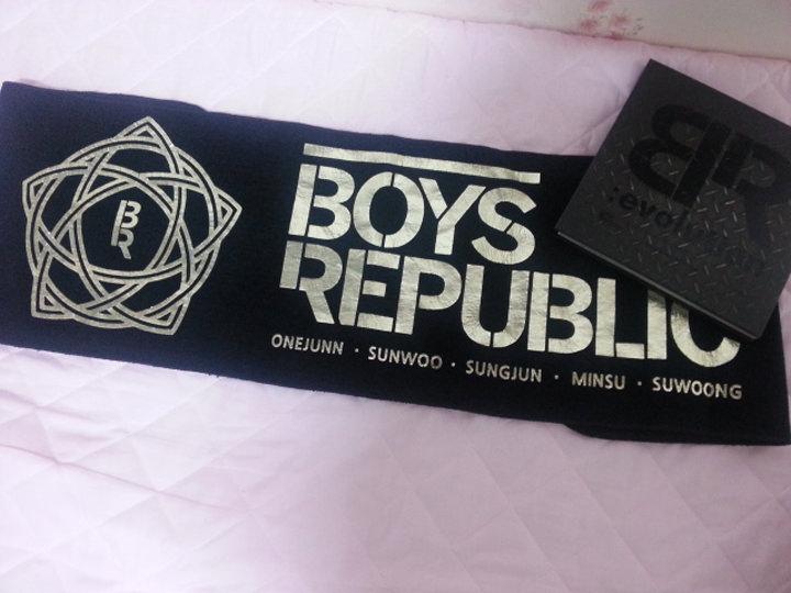 Boys RepublicのCD及び公式スローガン