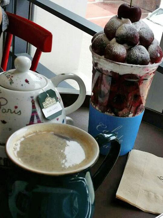 友達とカフェで、リラックスタイム♪ソウルにはお洒落なカフェが沢山あります!!