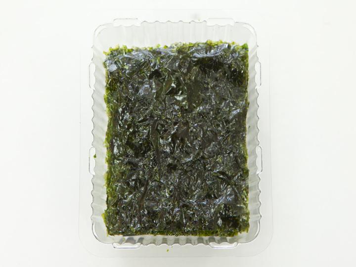 プルムウォン社「エゴマ油を混ぜてパリっと香ばしく焼き上げた青海苔」の中身