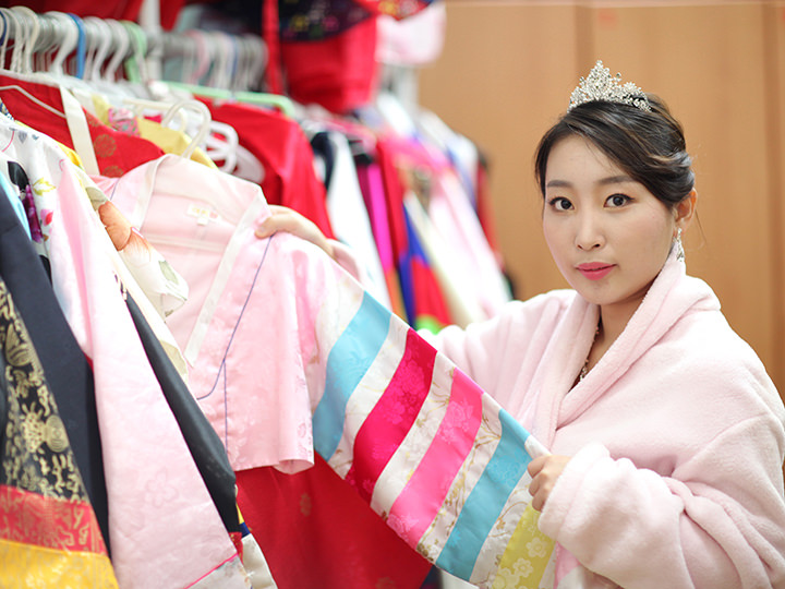 多様な韓服衣装