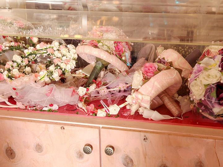 ドレスアクセサリーのブーケと花冠