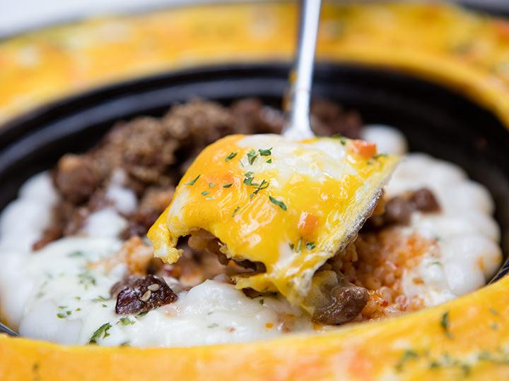 キムチの辛みを卵がフワッと包み込んでくれます