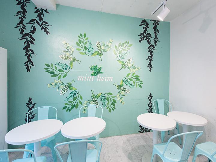 カフェ店内の壁もとっても可愛い