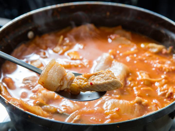 ゴロッと大きい豚肉がジューシーで柔らかい
