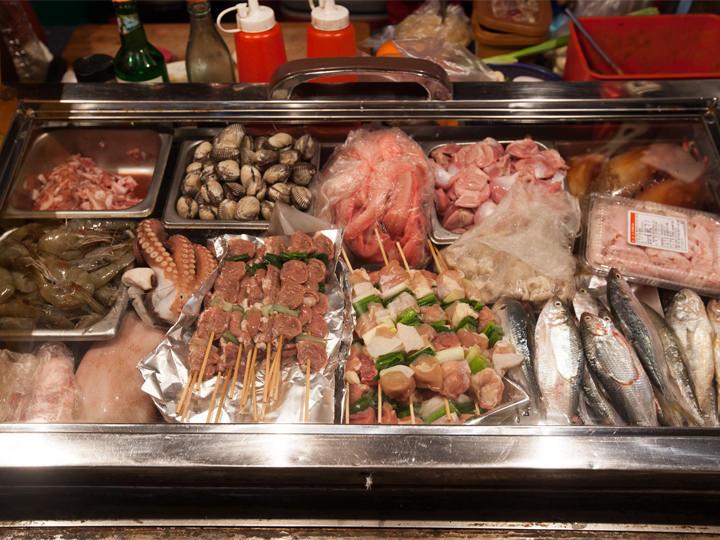 海鮮から肉まで様々な食材