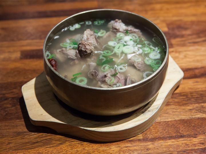 スープの中にはお肉がたっぷり