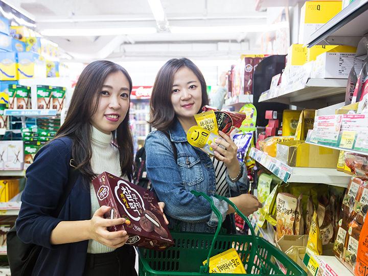 韓国海苔やお菓子、伝統茶などお土産探しに外せないマート