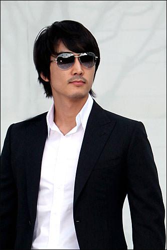 ユ・ミヌ(ソン・スンホン)「夏の香り」セクシーで切ない眼差しが最高