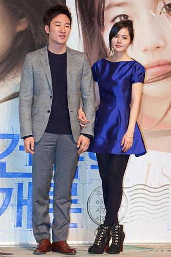 (写真左)ユ・ガンヒョク/シンヒョク(オム・テウン)「復活」1人2役の双子の名演技に拍手
