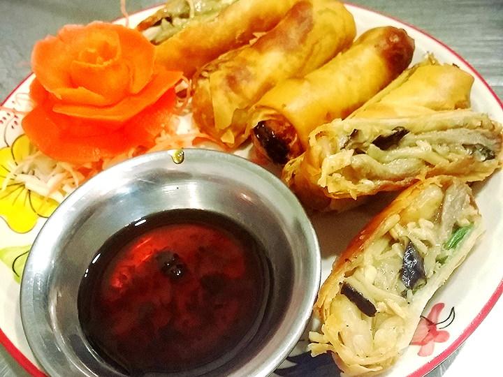 弘大(ホンデ)にあるタイ料理店「TUK TUK NOODLE THAI(トゥクトゥクヌードルタイ)」にて。いつも行列ができていて並ぶのが大変ですが、本当に美味しくて、お給料が入ったら必ず食べる一品です☆