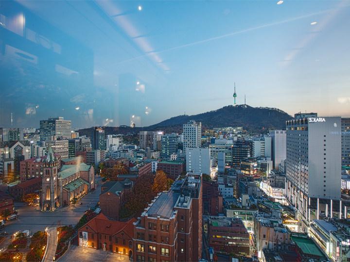 ホテル21階から見た南山とソウルタワー