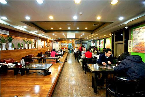 「ウォンダンカムジャタン」 ソウル市中区忠武路1街 25-3302-757-7612