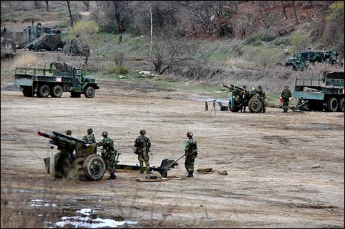 京畿道坡州(パジュ)市の韓米合同訓練場で訓練する韓国軍