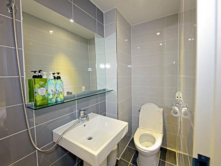 韓国の一般家庭やホテルのトイレは、お風呂が一緒になっていることが多い