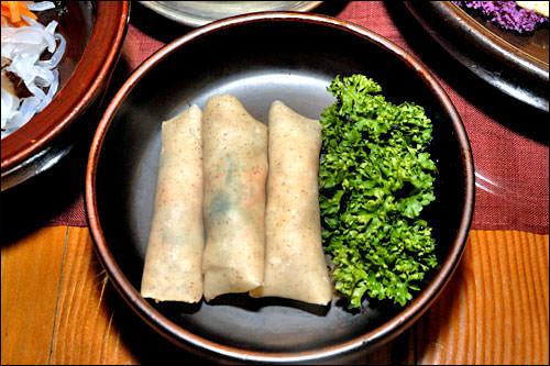 メミルジョンビョン(蕎麦煎餅)