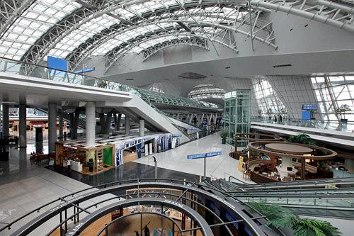 地下1階交通センターショッピングモール