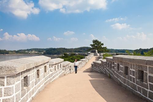 激しい砲撃戦があったという海に突き出た龍頭墩台(ヨンドゥトンデ)