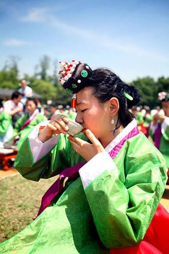 酒と茶の飲み方を教わる「醮礼(チョレ)」