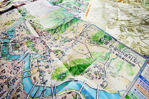 観光に便利な地図も入手できます