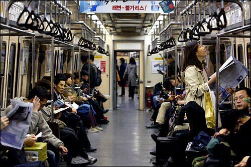 地下鉄での移動(立ったまま、20分):33kcal