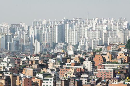 韓国の賃貸システムは保証金をまとめて払うチョンセと月払いのウォルセに大別される(韓国の家賃制度を詳しく知る)