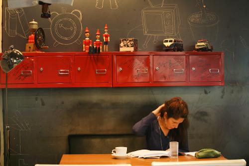 読書や勉強するお客さんも多い
