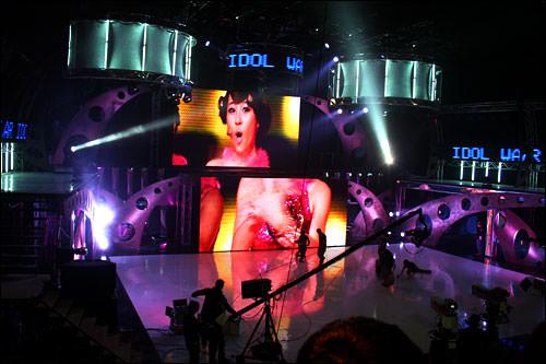 Wonder Girlsの事前録画分を流している時のステージ