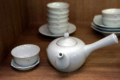 急須80,000 湯呑み茶碗7,000 茶托3,000