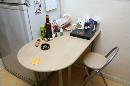 キッチンにはテーブルも