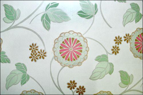 韓国の家は壁紙が大柄で華やかなものが多い。
