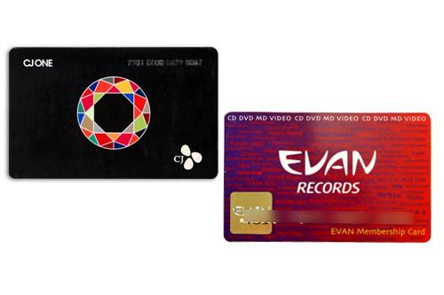 「CJ ONE CARD」とEVAN RECORDSのカード