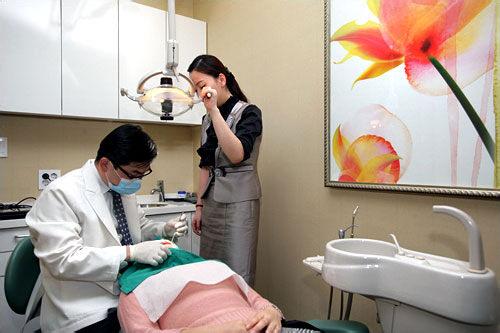 5.診察レントゲン撮影後、初診室に移動し先生による診察を受けます。