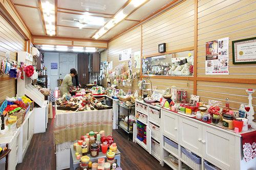 石鹸工作所天然のエッセンシャルオイルや韓方を使用した手作り石鹸の専門店。天然成分の洗浄力と洗い上がりのしっとり感が好評です。