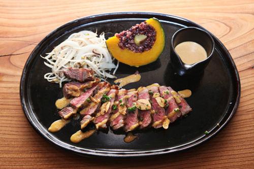 Market O(マーケット・オー)韓国の大手企業、オリオン製菓が運営するレストラン。上質のオーガニック食材を使用した、低カロリー&低コレステロール料理が楽しめます。