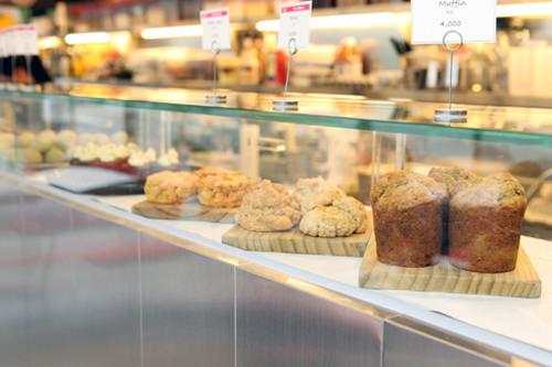 Rose Bakery(ローズベーカリー)ロンドンや東京にも店舗を展開する、パリ発のオーガニックカフェ。有機食材を使いその日にお店で作ったものだけを味わえます。