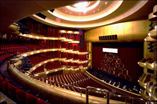 芸術の殿堂「Tri-Angle」のMVはセットかと思いきや、何とソウルが誇る大型芸術施設「芸術の殿堂」で撮影されていたんです!
