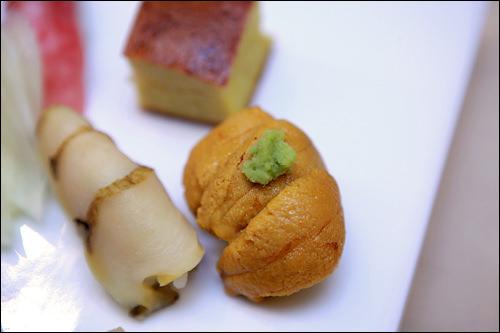 日本の寿司は食べやすい一口サイズ