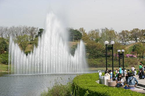 夢村湖と88湖がある