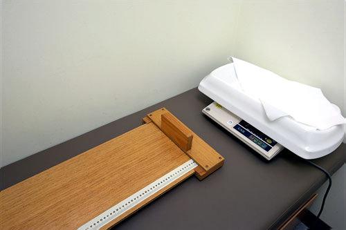 乳児用の身長・体重測定器