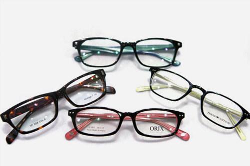 メガネ/15,000ウォン~サングラス/60,000ウォン~※フレーム価格(レンズ別)▶ めがね店一覧