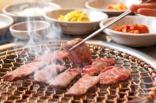 焼肉(1人分)牛10,000ウォン~/豚8,000ウォン~