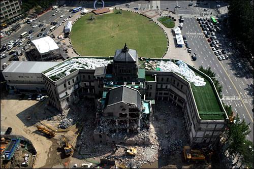 完工は2011年2月の予定