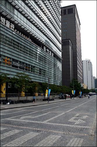 2006年より実施の「車のない日」。クリーンで快適な都市づくり
