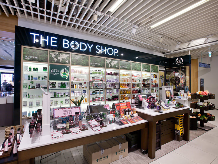 「THE BODY SHOP」(1階)