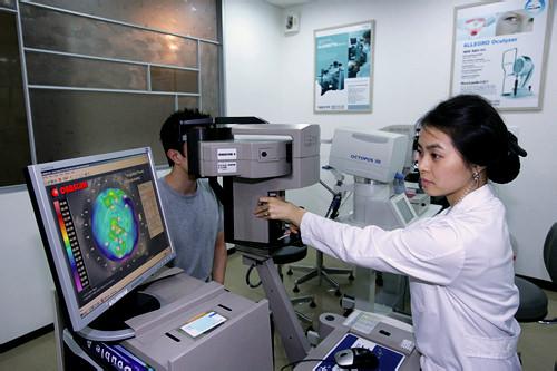 角膜湾曲度・地形図検査