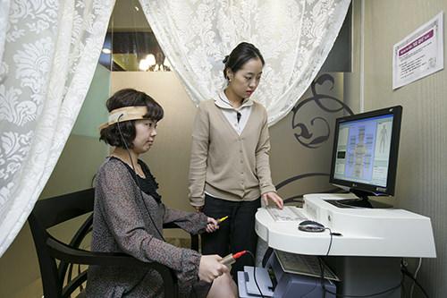 4.ストレスチェックストレス測定で、健康状態や老化具合をチェックします。