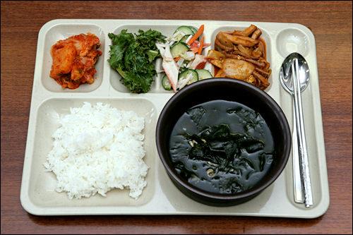 ワカメスープ&イカと韓国餅の炒め物のセット