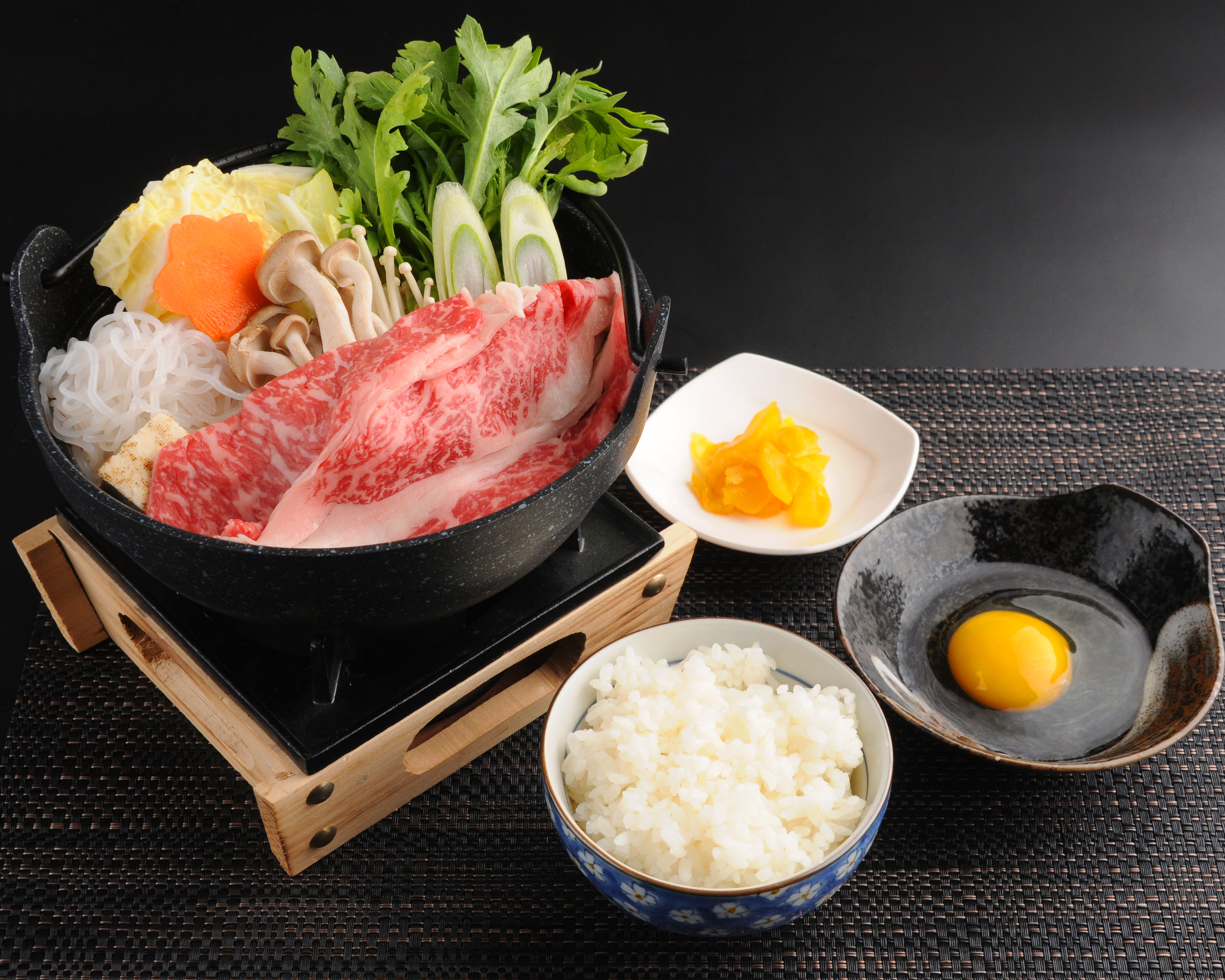 特選韓牛なべ定食 28,000ウォン