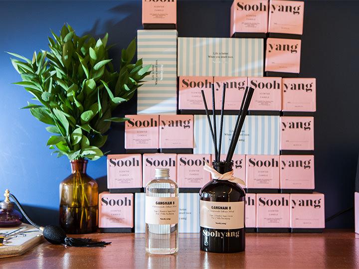スヒャン(Soohyang) 梨泰院(イテウォン)店 (地図赤1)漢字で「秀香」と書く店名のとおり、香水やキャンドルなどのフレグランス専門ブランド。女心をくすぐるピンクのパッケージで、プレゼントにもぴったり。アイドルグループSHINee(シャイニー)のKey(キー)がメンバーにこちらのキャンドルをプレゼントしたことでも有名です。