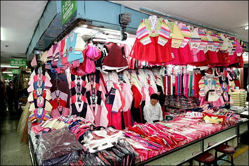 子ども用の韓服は5~6万が相場